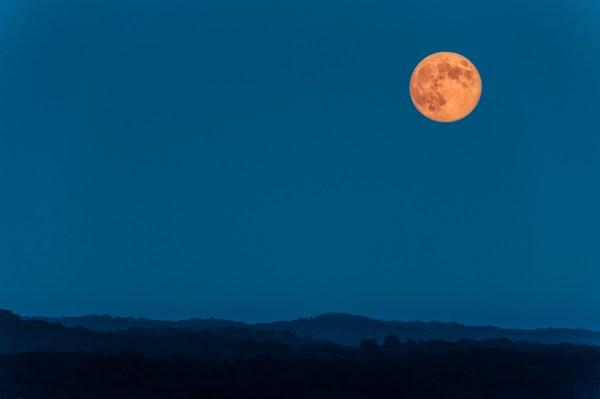 20 prós e contras de fotografar a lua