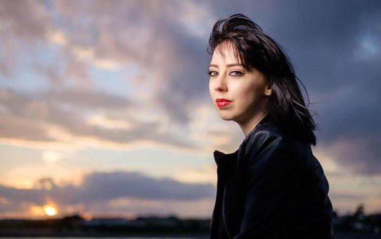 Como tirar belos retratos usando Flash e sincronização de alta velocidade